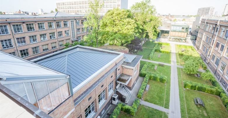 Wat zijn de voordelen van een plat dak?